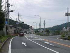 1.神前橋東詰 の交差点を右折します。